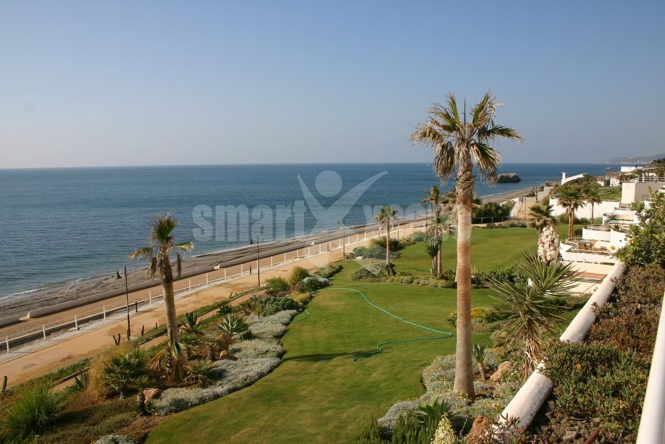Penthouse for Sale - 595.000€ - Estepona, Costa del Sol - Ref: 2535