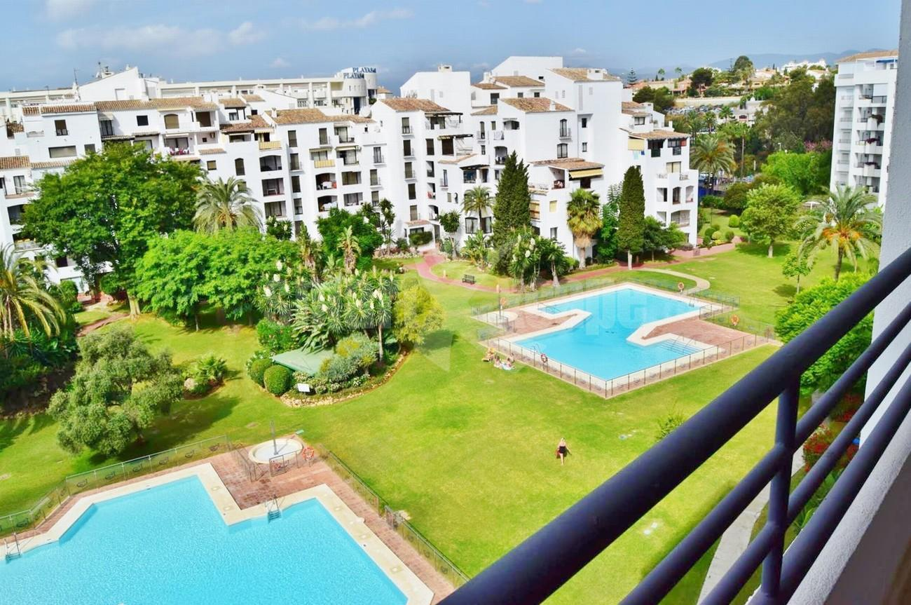 Penthouse for Sale - 740.000€ - Puerto Banús, Costa del Sol - Ref: 5446