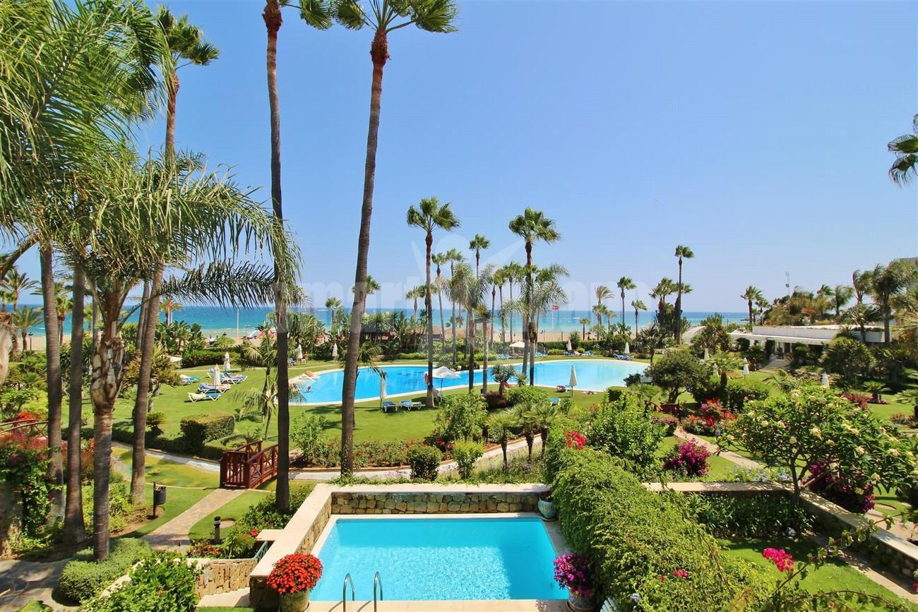 Apartment for Sale - 2.500.000€ - Puerto Banús, Costa del Sol - Ref: 5387