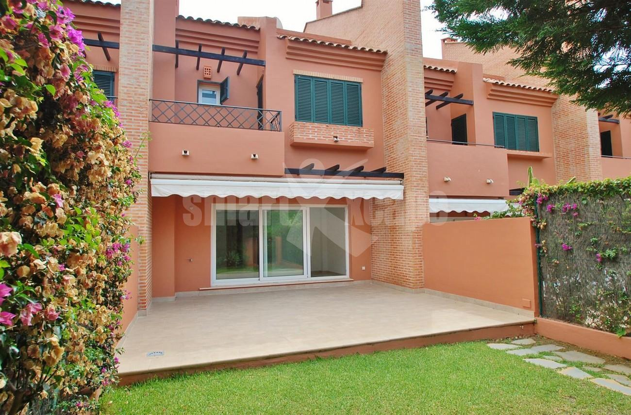 TH5427 Beachside townhouse Marbella 1 (Large)