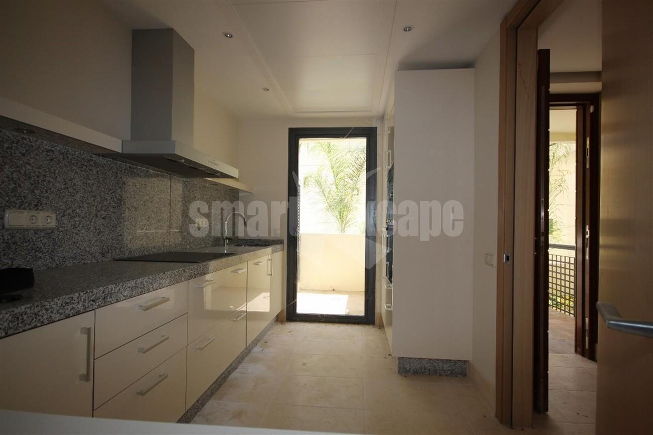 A5421 Luxury garden apartment 4 (Large)