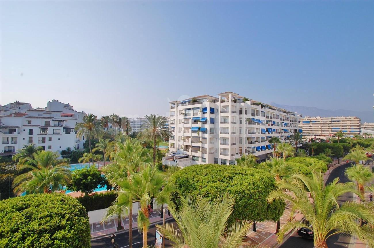 A5407 Spacious Apartment Marbella (1) (Large)