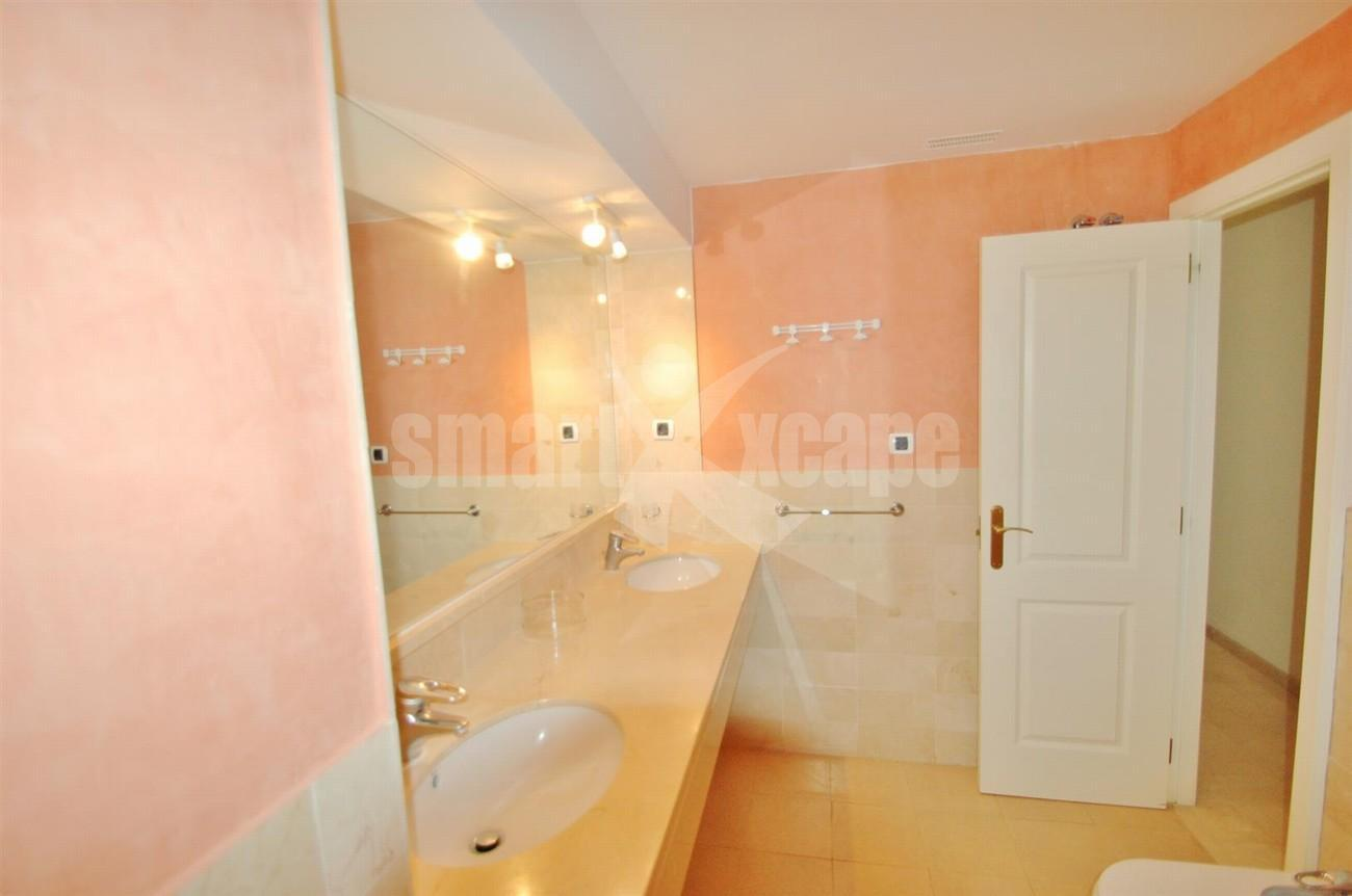 A5407 Spacious Apartment Marbella (11) (Large)