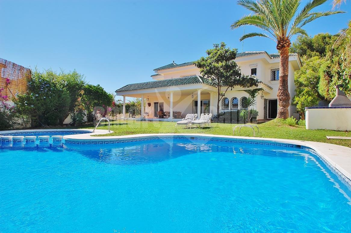 V5381 Spacious Villa Close to Puerto Banus 2