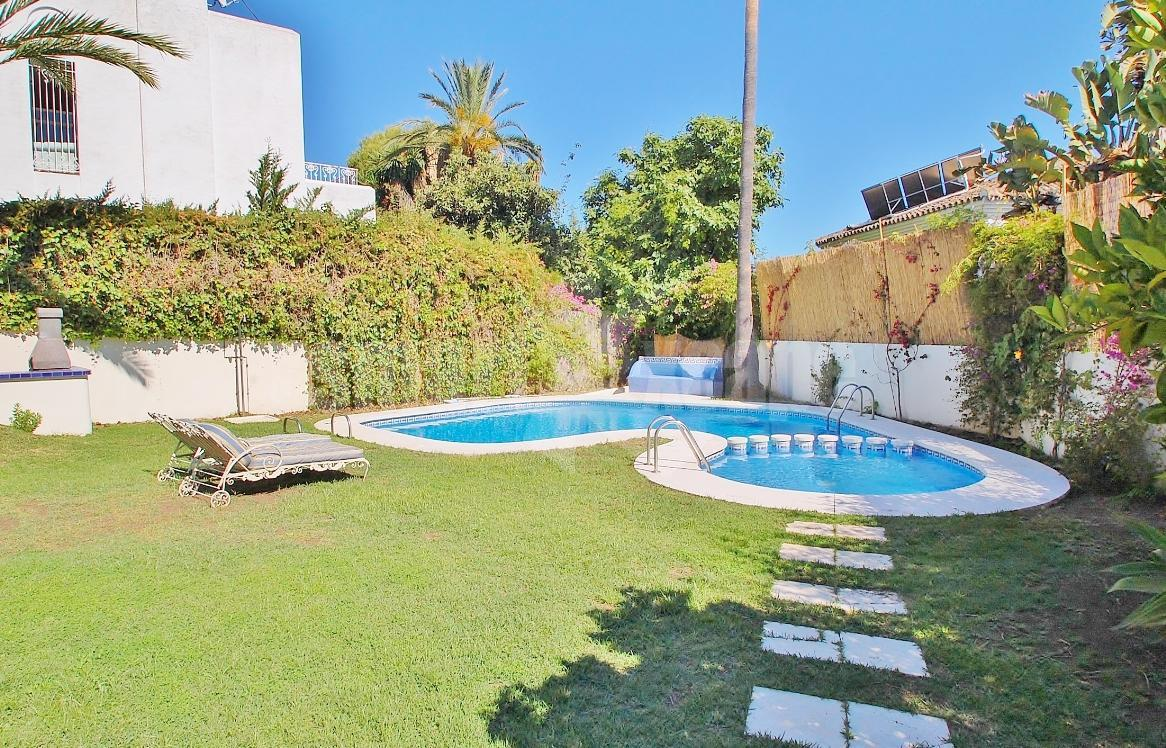 V5381 Spacious Villa Close to Puerto Banus 1