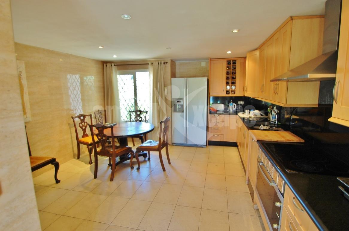 V5381 Spacious Villa Close to Puerto Banus 6