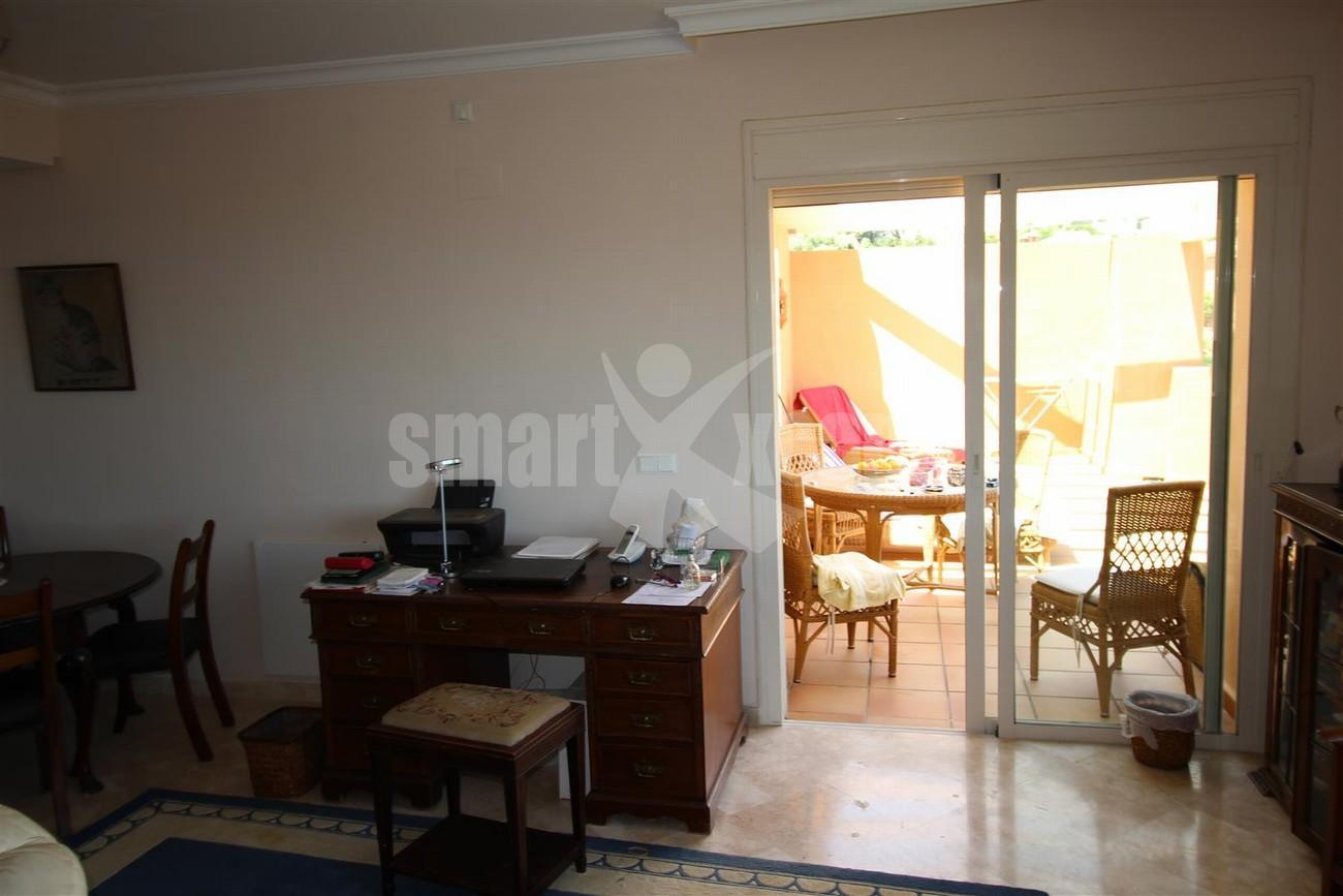 A5418 Apartment with stunning views 12 (Large)