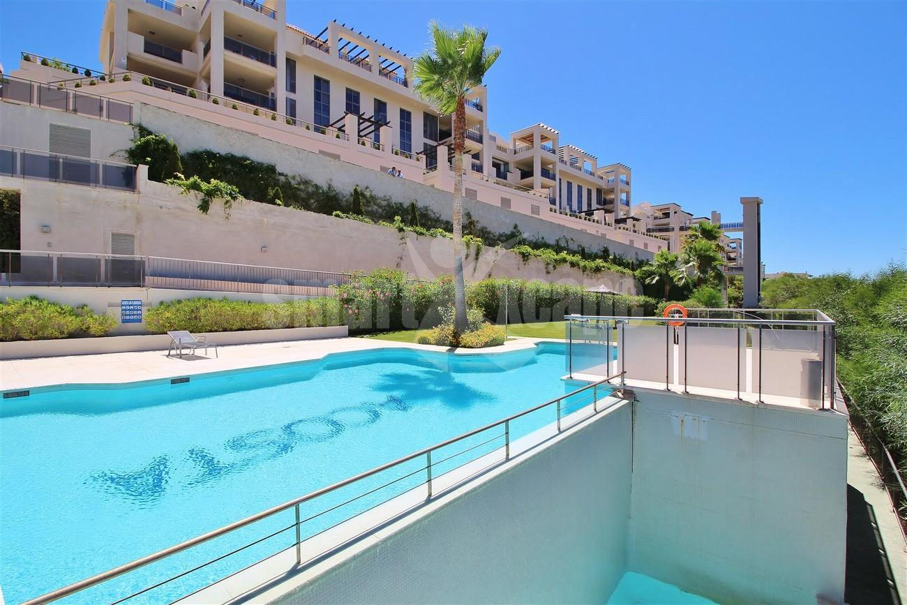 A5469 Luxury Apartment on Golf Course & Sea View 13