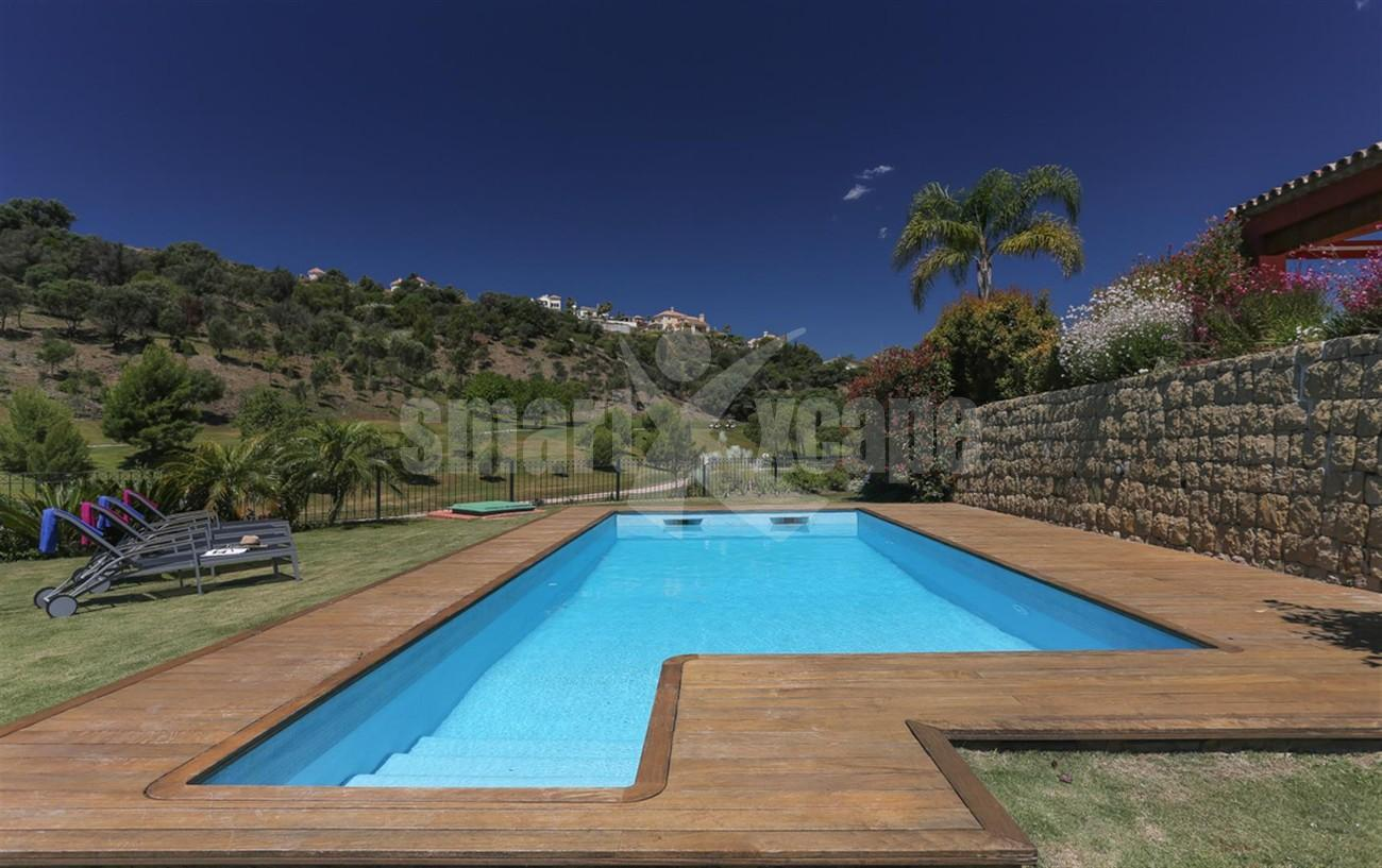 V5497 Frontline golf villa Benahavis 11 (Large)
