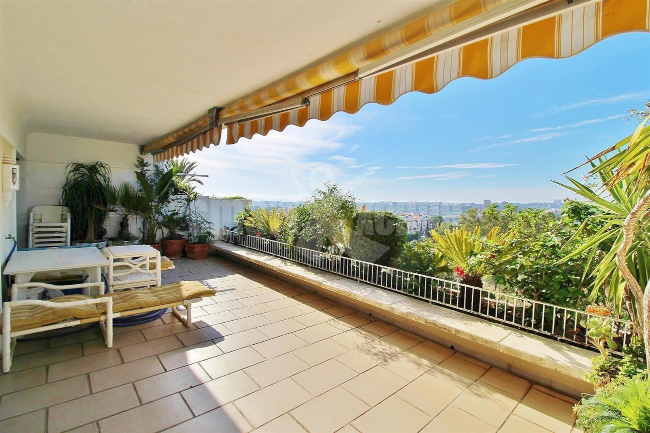 Apartment for Sale - 695.000€ - Golden Mile, Costa del Sol - Ref: 5528