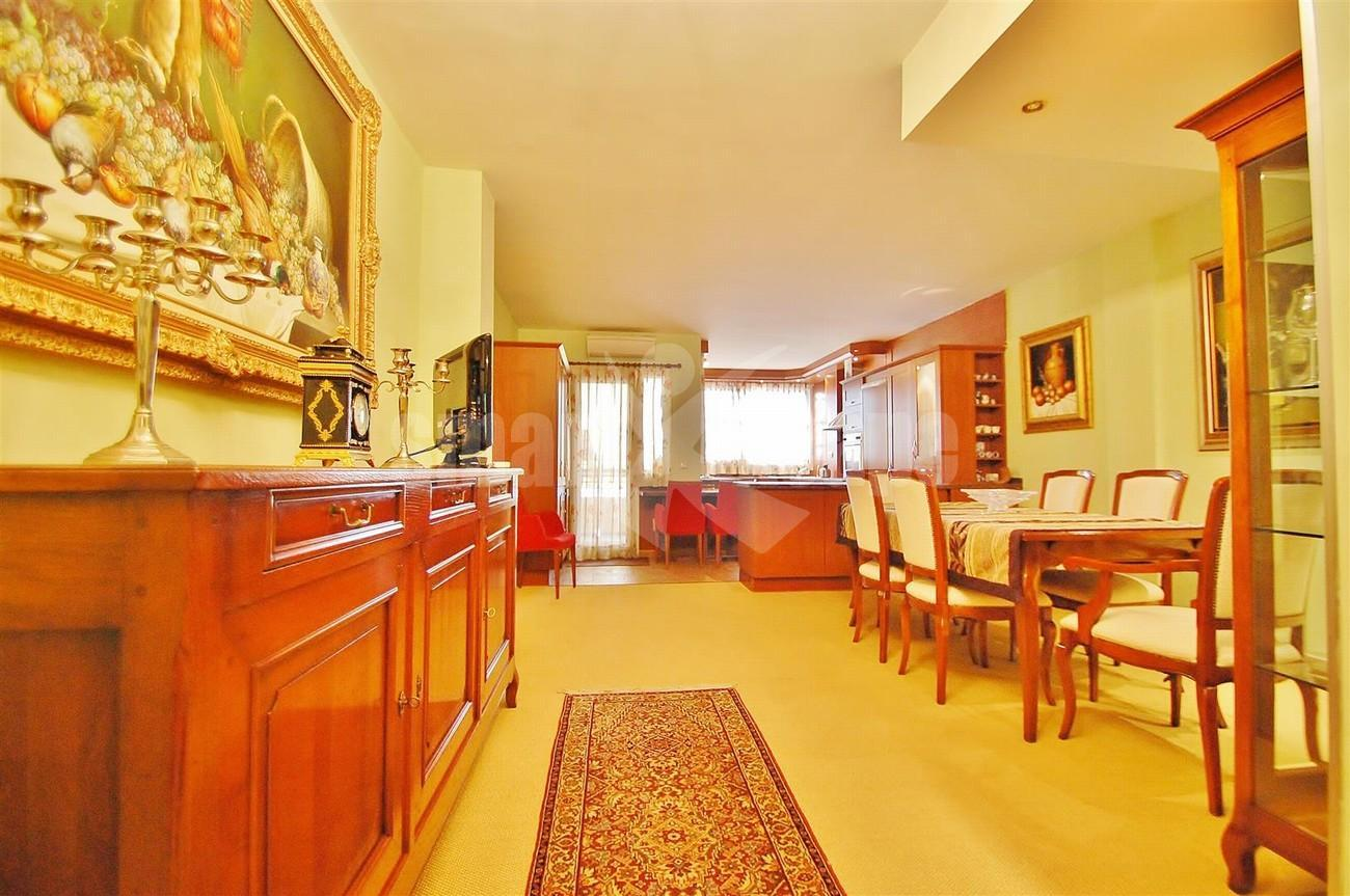 A5569 Apartment in Marbella town centre 12 (Large)