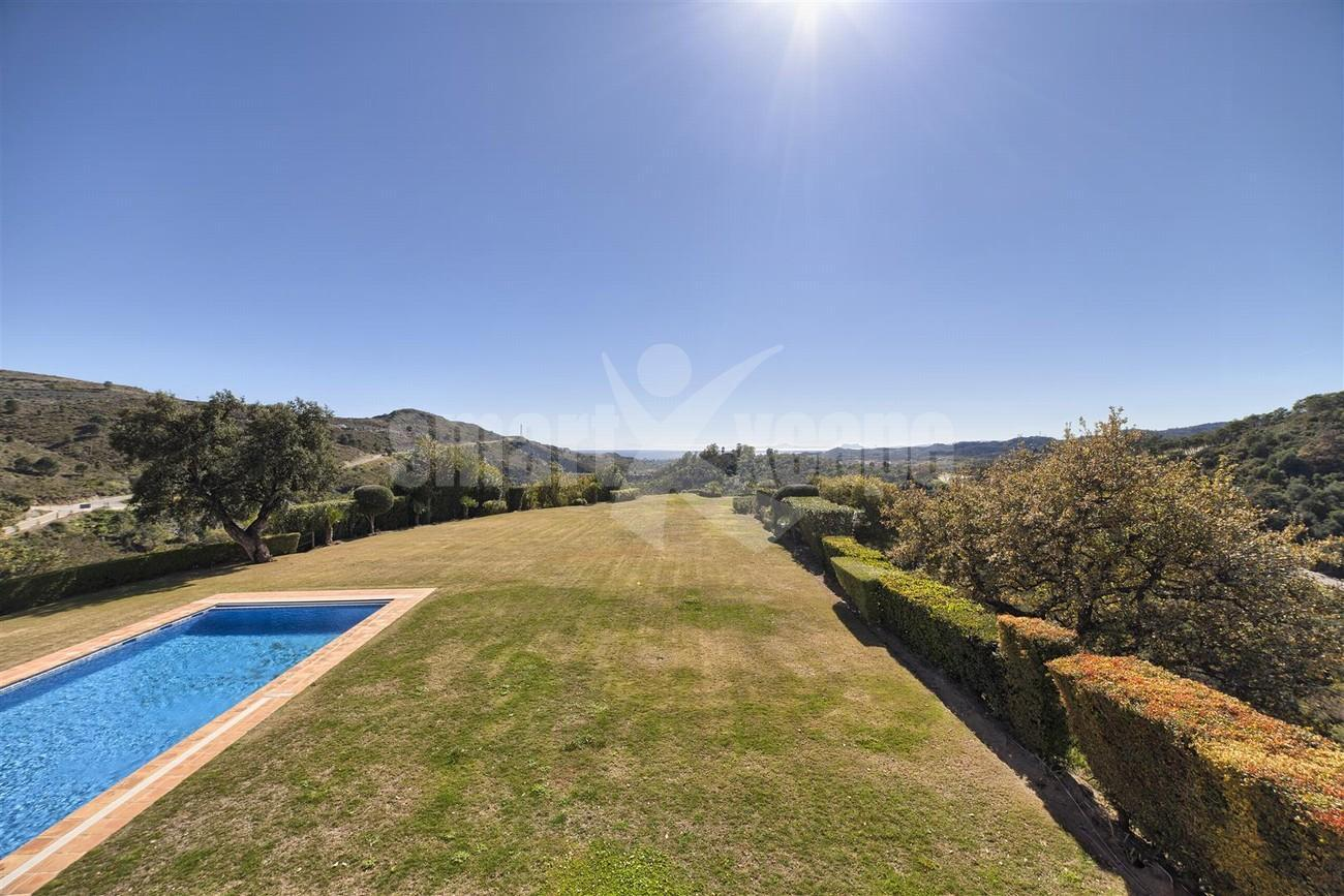 V5576 Luxury Villa Benahavis Spain (14)