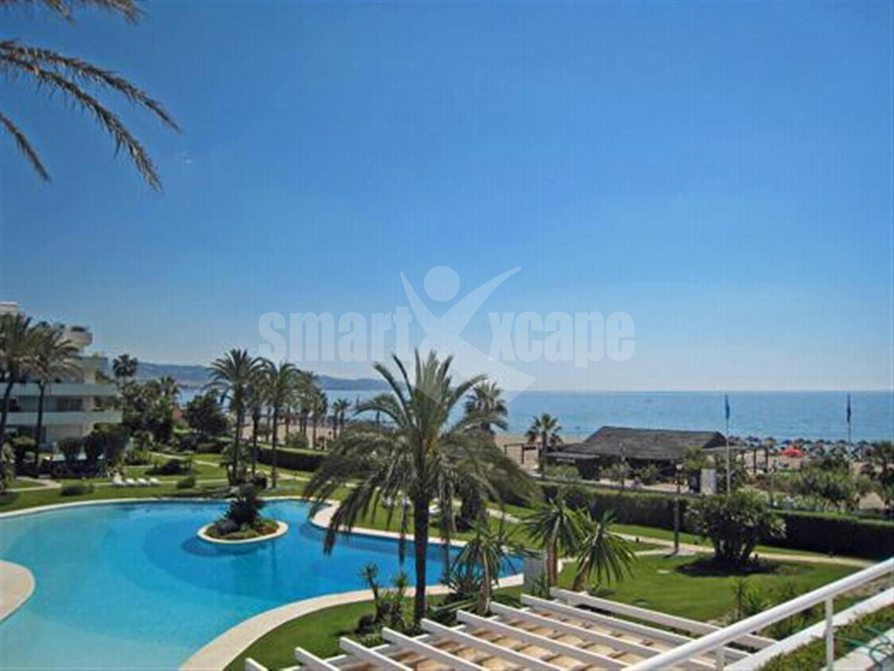 A5591 Frontline beach apartment Puerto Banus 9 (Large)