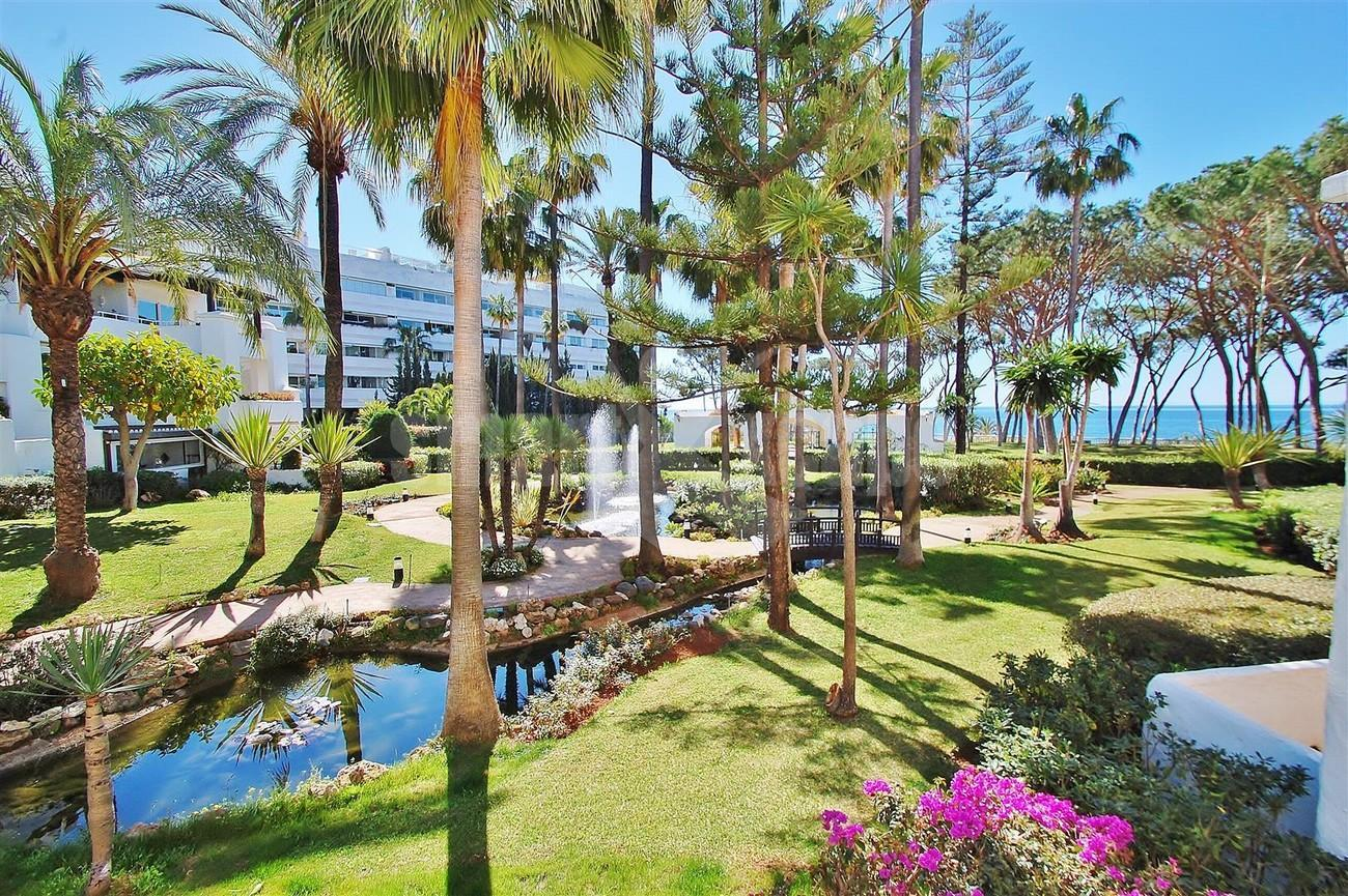 Apartment for Sale - 1.100.000€ - Golden Mile, Costa del Sol - Ref: 5600